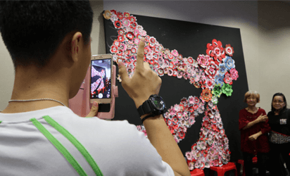 COMNET seniors create blooms at ITE College Central